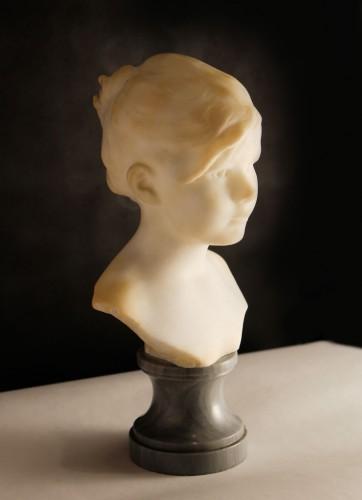 Buste de petite fille en marbre blanc signé Edouard HOUSSIN (1847 – 1917)
