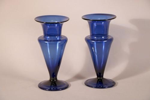 Paire de vases bleus de Bordeaux, époque Louis XVI