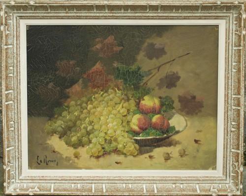 Nature morte au raisin et aux pêches signée Leroux pour Brunel de Neuville