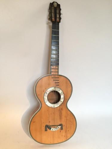 Guitare début XIX ème siècle signée de Henry LÉTÈ.