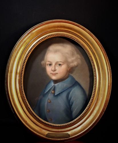 Portrait oval enfant pastel