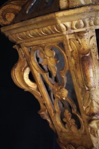 Paire de lanternes bois sculpté doré Vénitiennes XVIIIème