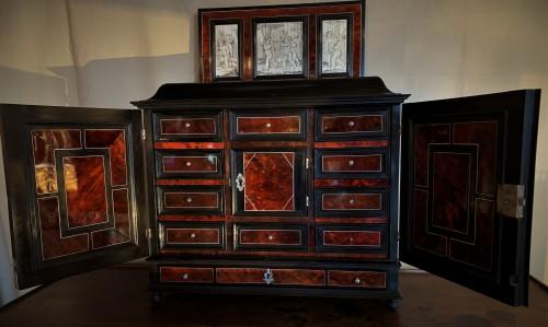 Cabinet flamand écaille époque XVIIème